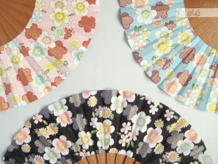 Megumi - Pastel hand fan - Pick your colour